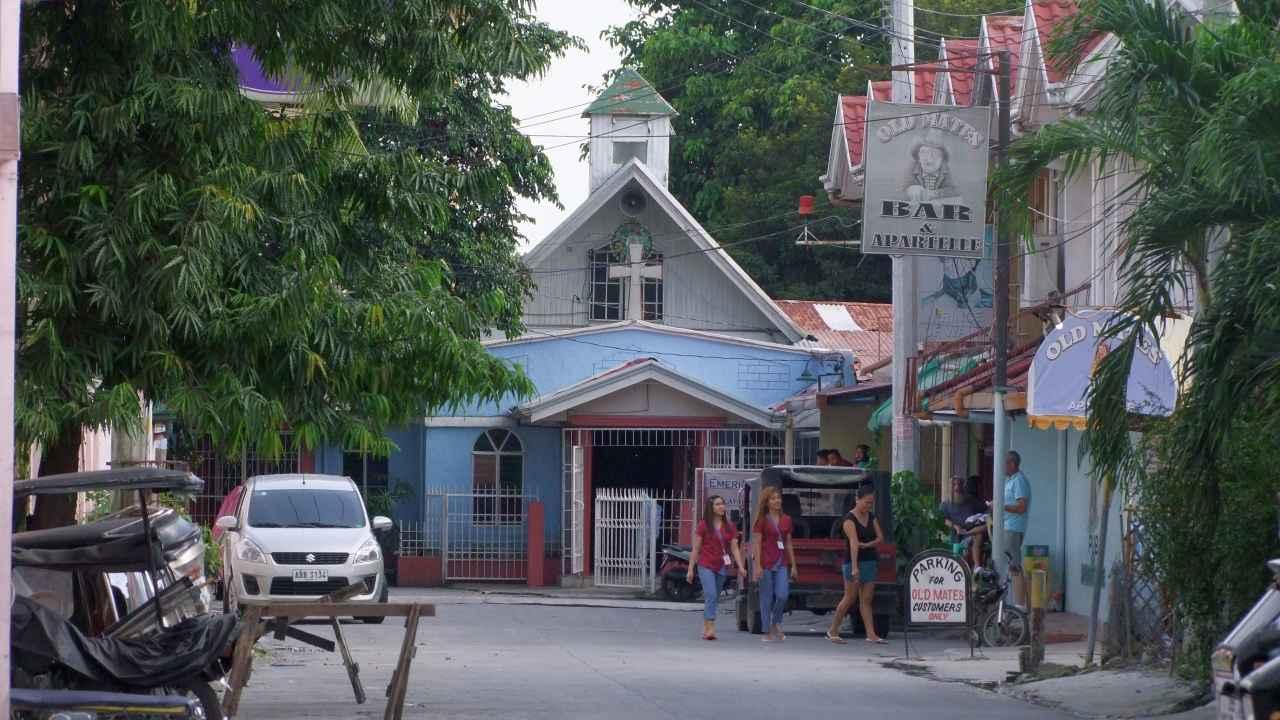 Philippines - Angeles City - Small Bars - Kirchenpuffs